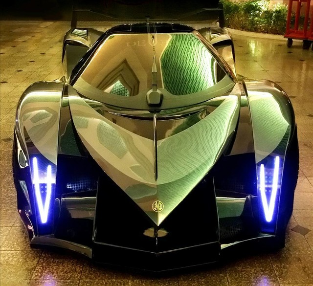 Hypercar Devel Sixteen 01