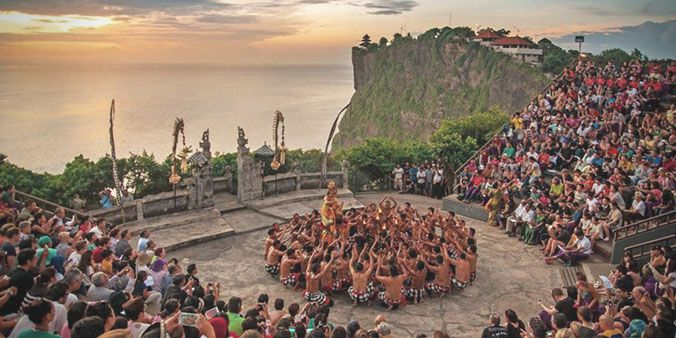 Uluwatu Kecak Dance and Fire Dance Performance, Bali Uluwatu Trip Package, Uluwatu Sunset Time, Uluwatu Temple Bali