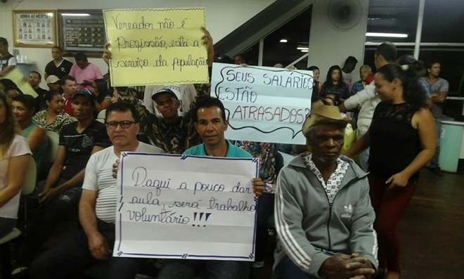 Morro do Chapéu: Servidores Públicos Municipais comparecem à sessão da Câmara para pedir apoio aos vereadores