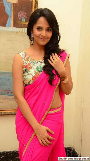 Anasuya Bharadwaj in Saree Wallpapers