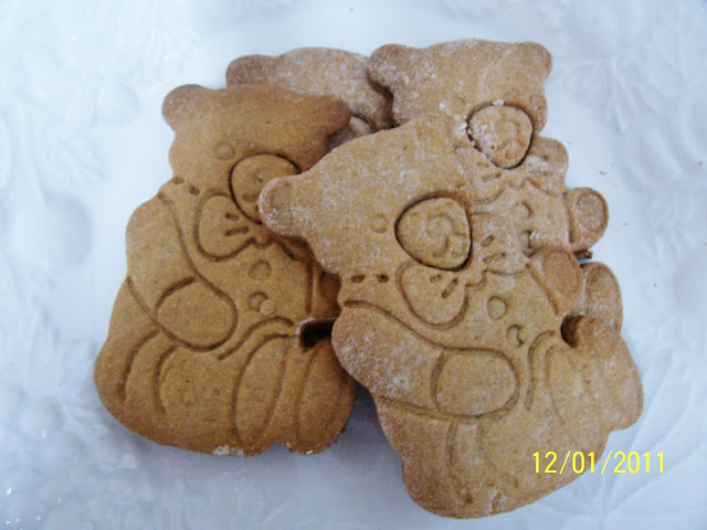 Sturdy Gingerbread Cookies Using Spice Cake Mix