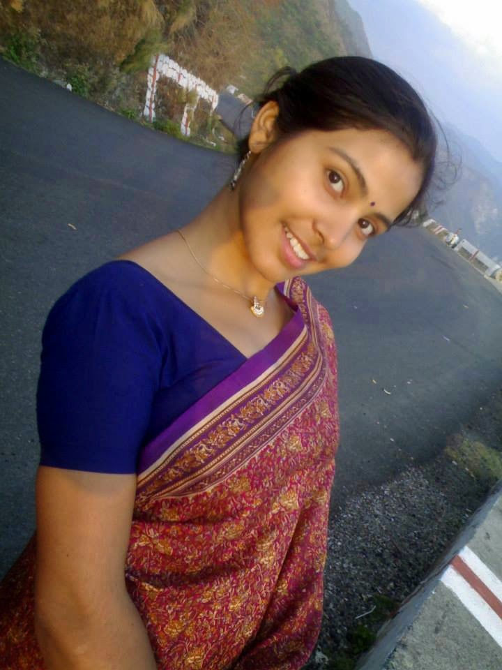 Beauty Tamil Nadu Aunties, Girls: Tamil Saree Aunties Girls