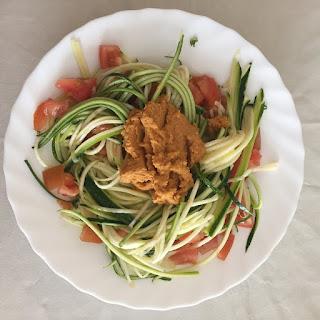 Ensalada de calabacin con hummus