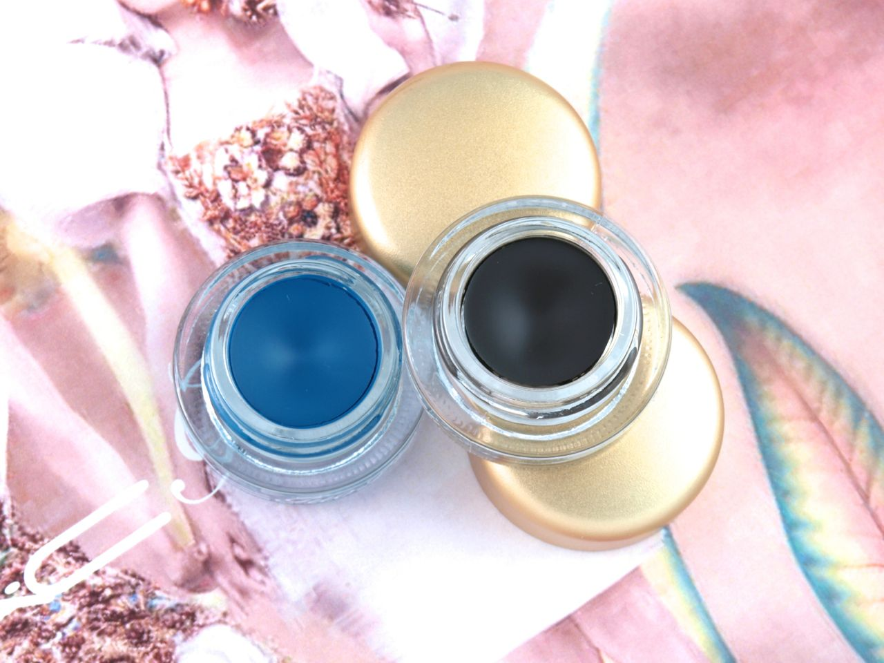 """MAC Guo Pei Fluidline Gel Eyeliners in """"Darkness of Calm"""" & """"Blue Fountain"""": Review and Swatches"""