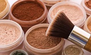 Le maquillage minéral peut-il sauver ta peau ?