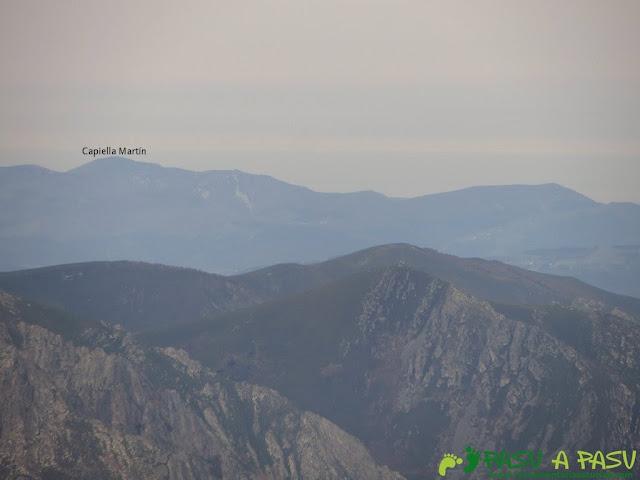 Vista de la Capiella Martín desde el Pico Mocoso