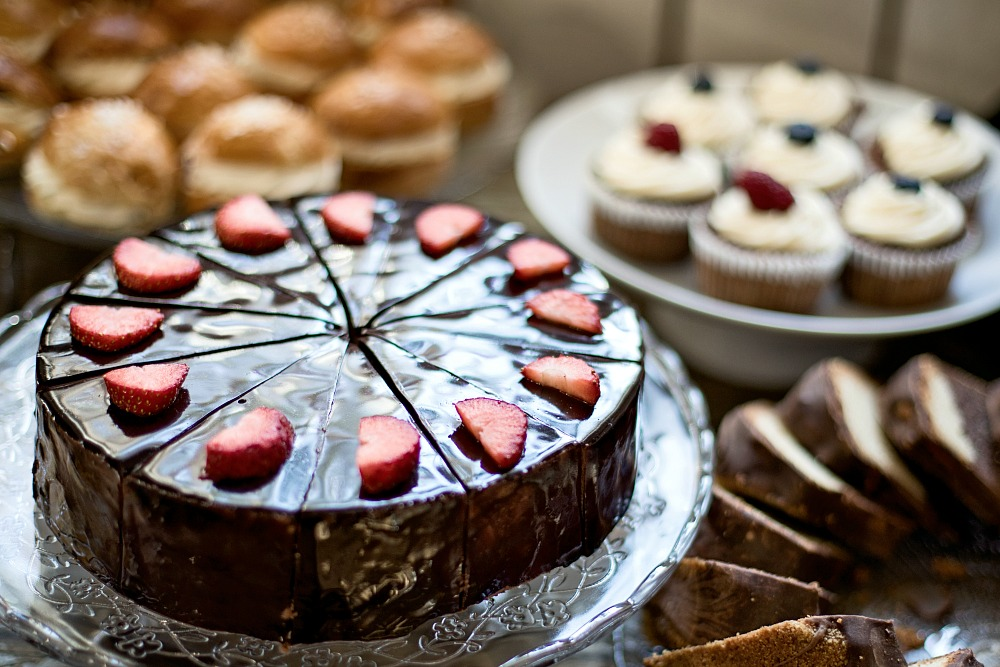 Cafelatte lifestylepuoti, sisustus, sisustaminen, keramiikka, sisustusliike, Espoo, Tuias, käsityö, käsin tehty, diy, kahvikuppi, kakku