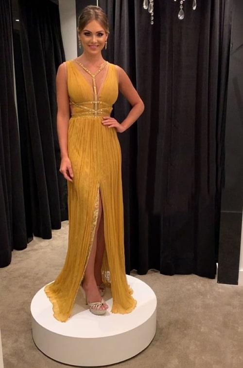 vestido longo amarelo mostarda