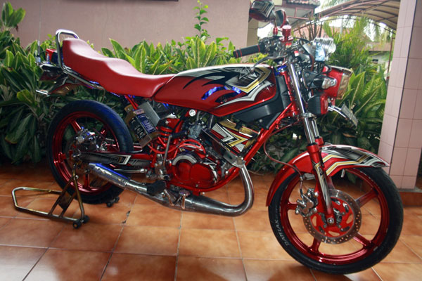"Modifikasi Yamaha RX King Warna Merah ""Nyentrik"""