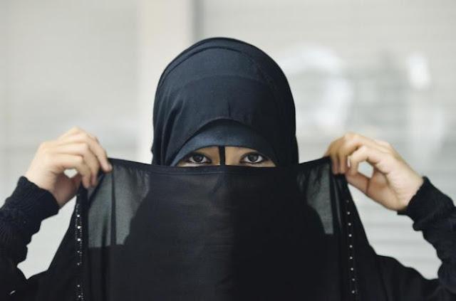 سيدة أعمال سعودية تطلب عريساً وتتكفَّل بالمهر