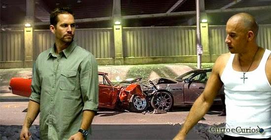 Carros dertruídos filme Velozes e Furiosos 7