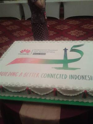 Merayakan ulang tahun Huawei @huaweiDevicedID yang ke-15 #HuaweiID15th