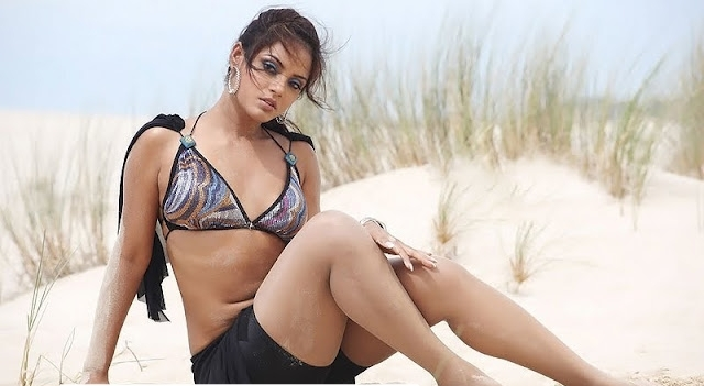 Neetu Chandra thunder thighs, Neetu Chandra sexy legs, Neetu Chandra hot legs, Neetu Chandra thighs pics, Neetu Chandra in dessert, Neetu Chandra in bikini, Neetu Chandra hottest photos
