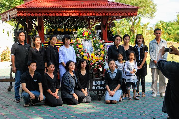 В Таиланде погибший под колёсами поезда мужчина явился на собственные похороны — Thai Notes