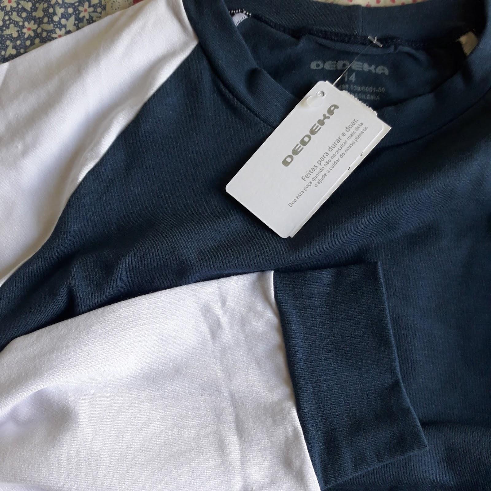 e7b9c0999e Calça azul marinho e camiseta azul marinho com mangas brancas. Tamanho 14  anos. Este é um tecido que reúne todo o conforto do algodão com o toque e o  ...