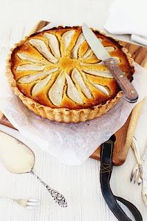 Frangipanetaart met kerstcake & honing