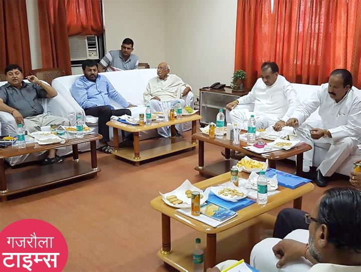 kamal-akhtar-meeting