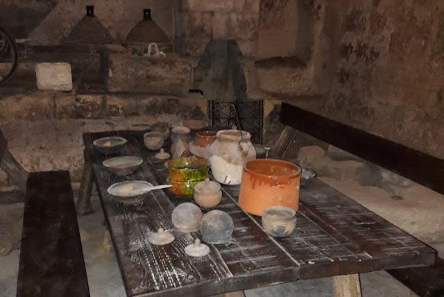 Castellaneta, interno di una grotta nella Casellaneta sotterranea