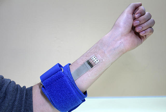This Skin Patch Wearable Device Monitors Blood Glucose