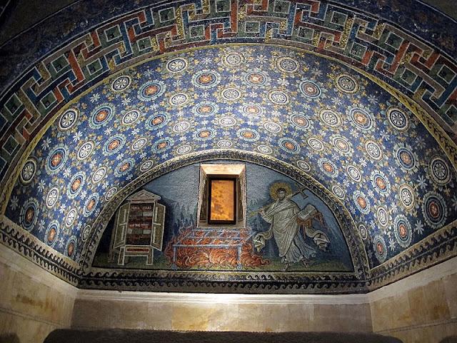Mausoléu de Gala Placídia em Ravena na Itália