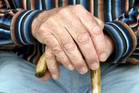 aposentadoria não pode ser vinculada ao salário mínimo