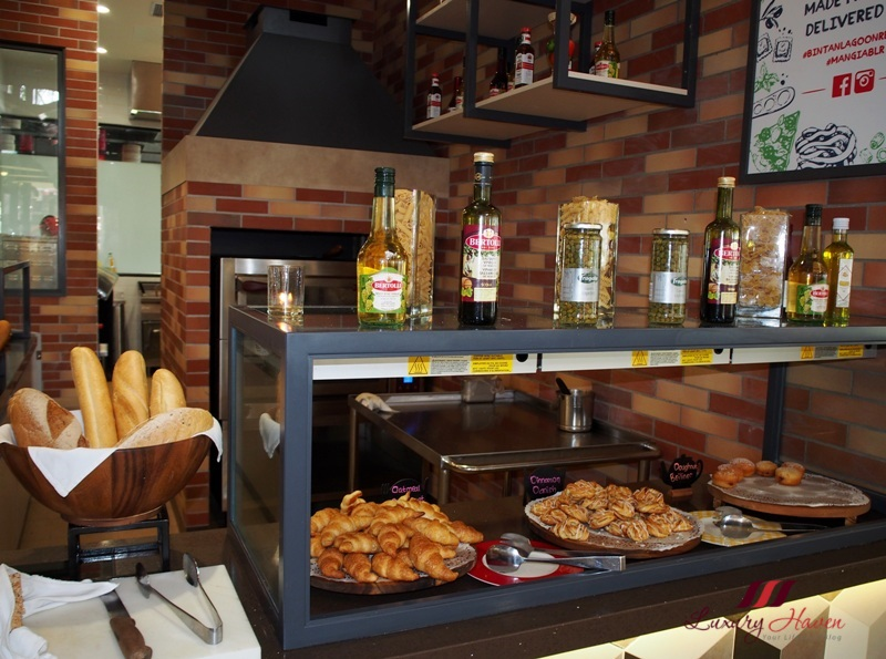 bintan lagoon resort fiesta buffet breakfast bakery
