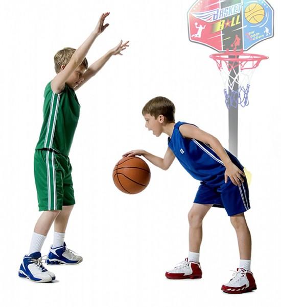 Hãy cẩn trọng khi mua giày bóng rổ cho bé