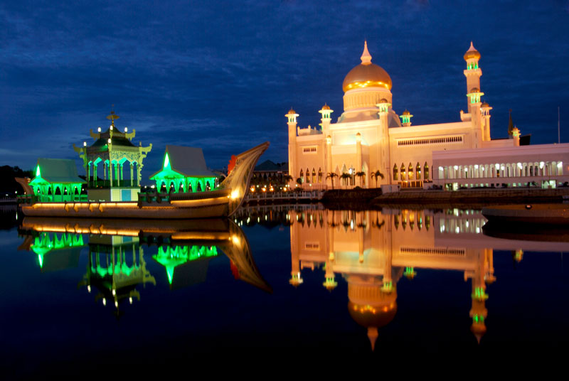 World's richest men: Sultan of Brunei leads a lavish life  |Brunei