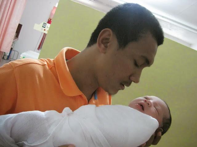 7 Amalan dan Doa yang Dibaca saat Bayi Baru Lahir