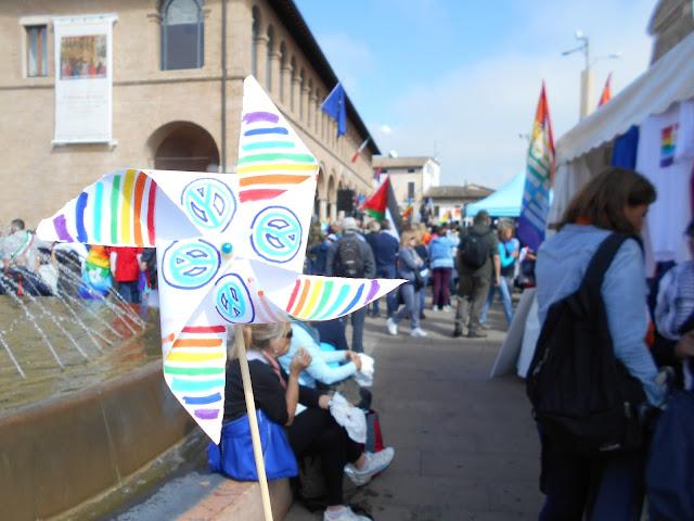 girandola: colori della pace e simbolo della pace