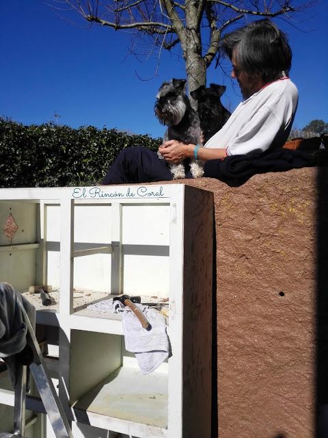 http://rincondecoral.blogspot.com.es/Alacena-de-los-años-60/mis-ayudantes