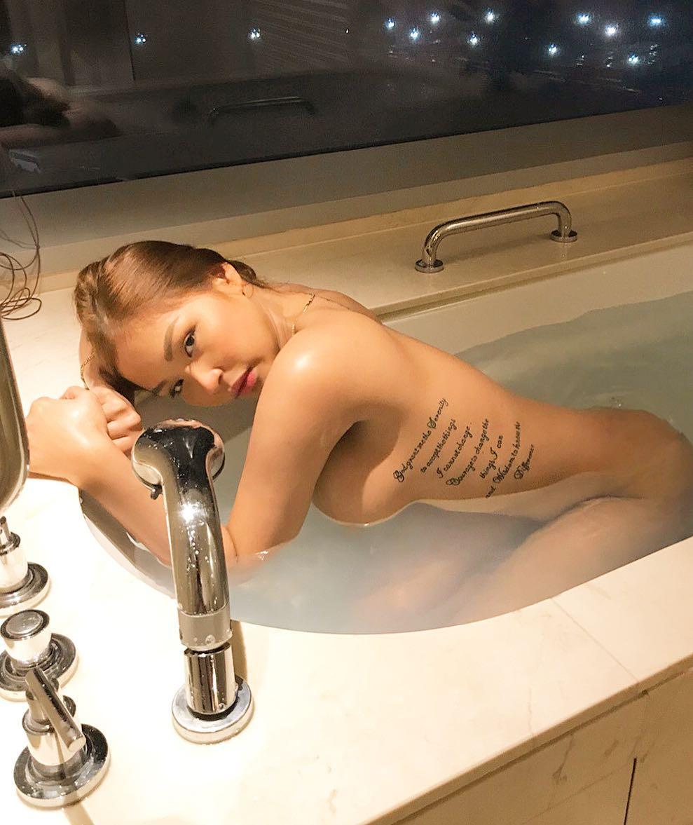 cristina maria ferrer sexy topless pics 01