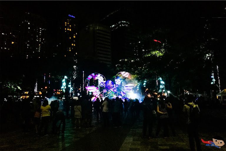 Dancing Lights in Ayala Triangle, Makati