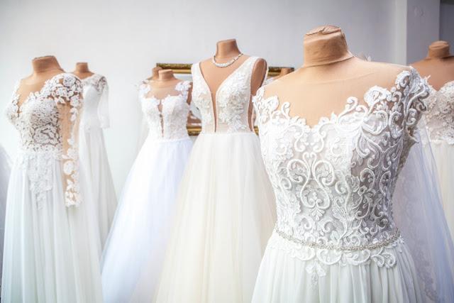 suknia ślubna dla niskiej dziewczyny