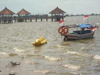 Wisata Bahari Pantai Kartini Dampo Awang Beach