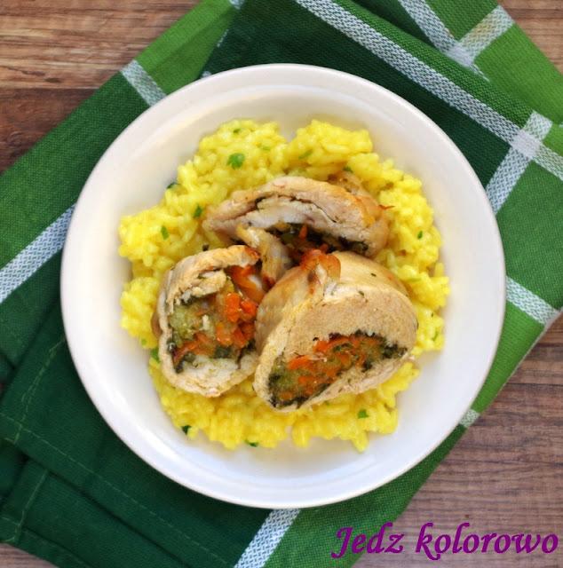 rolada z indyka z warzywami i kokosowym ryżem