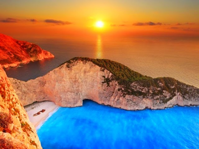 10. Navagio Beach, Zakynthos, Hellas. - Summer Is For Relaxing.... These 10 Beaches Will Cut Off Your Breath!