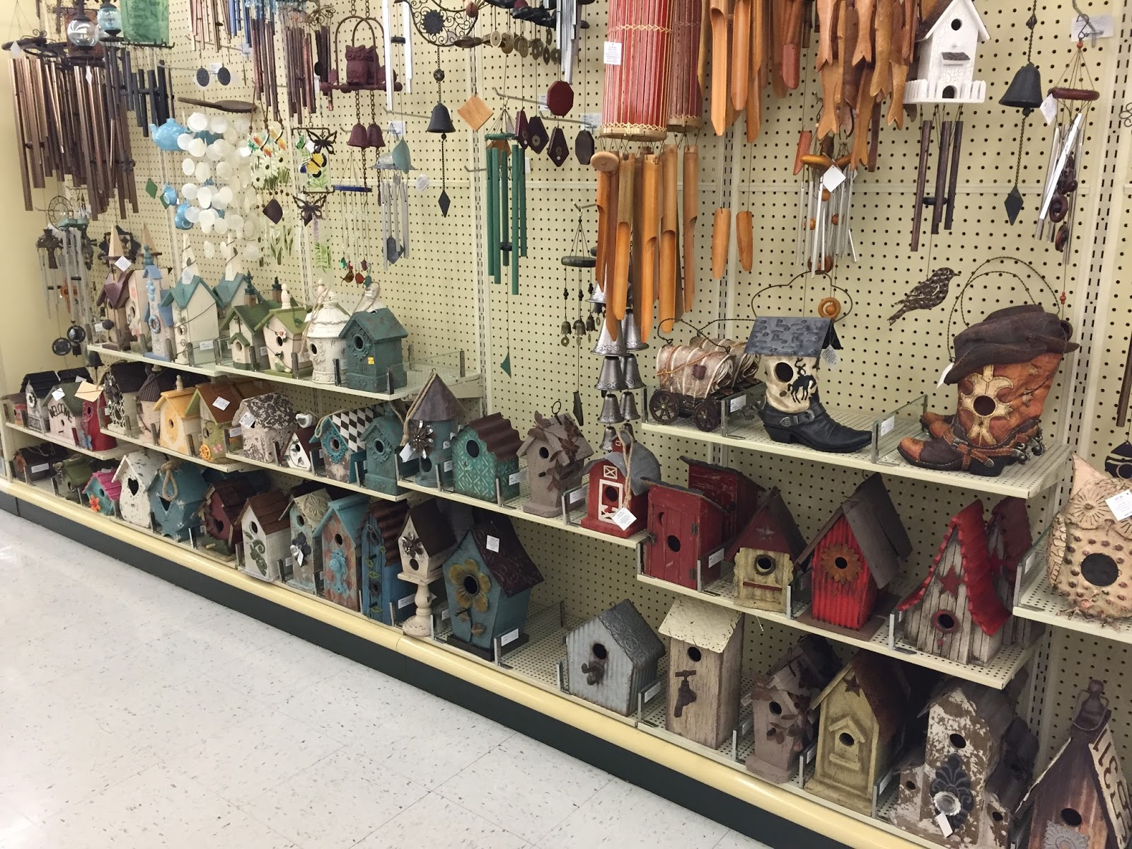 Love Living At Home Decorating With Birdhouses Inside And Out