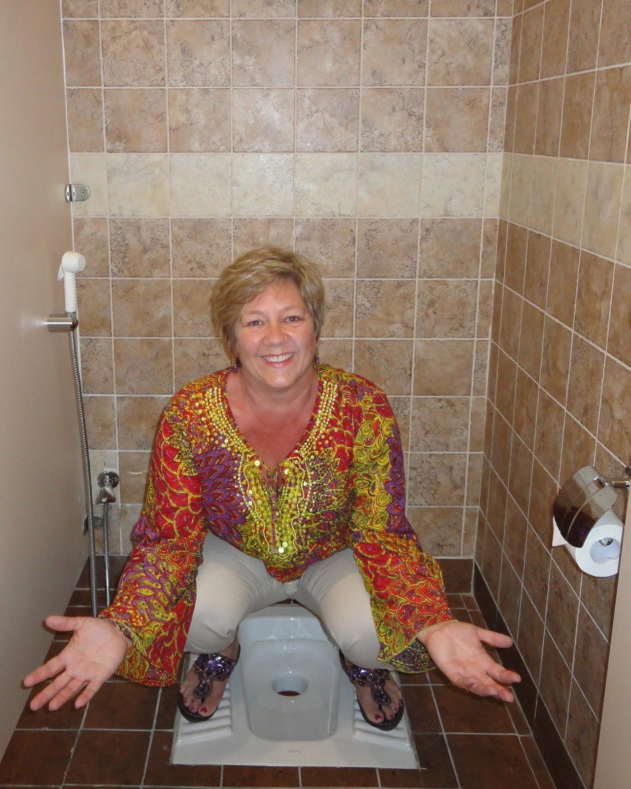 Зрелые Женщины Ходят В Туалет