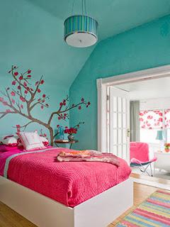 Dormitorio en turquesa y fucsia