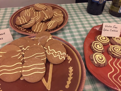 Gingerbread cookies decorated to look like redware