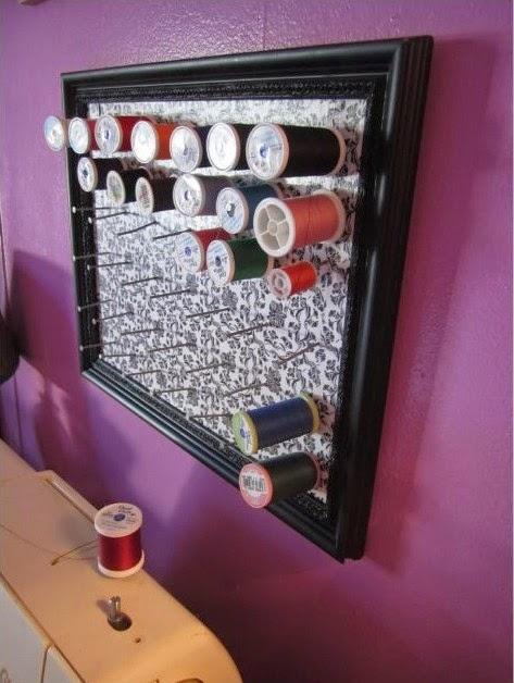 le blog de deb sur la couture un rangement bobine de fil. Black Bedroom Furniture Sets. Home Design Ideas