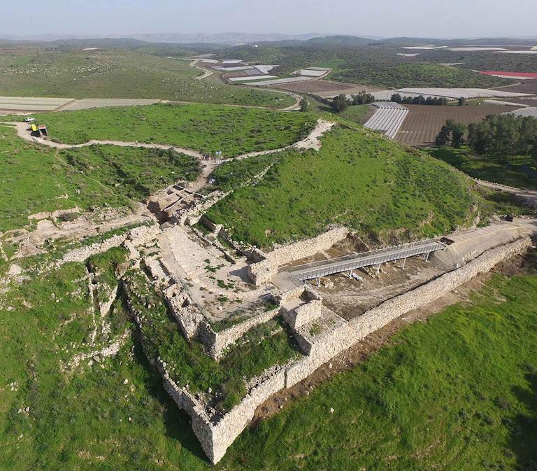 Laquis ou Tel Lachish, vista aérea do maior sítio arqueológico perto de Jerusalém