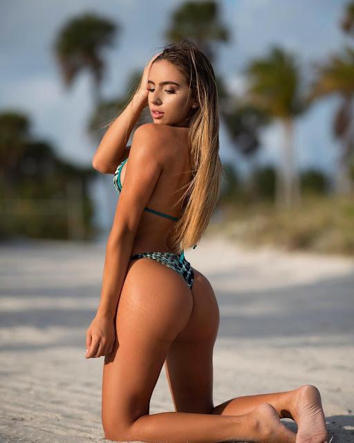Bruna Lima topless
