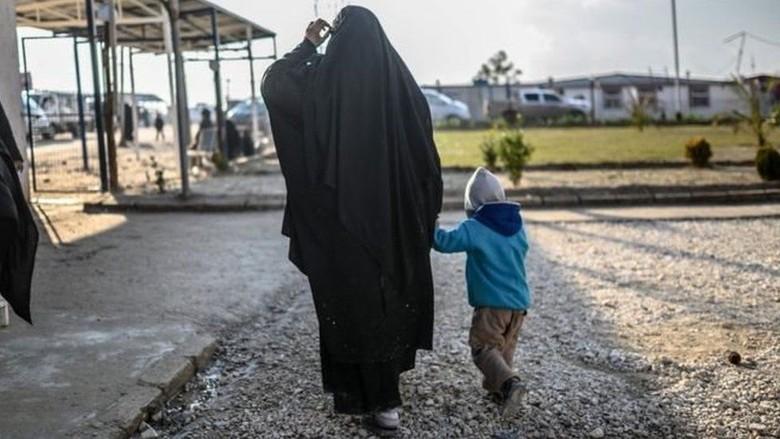 Menyesal, Pengantin ISIS Asal AS Memohon Minta Pulang