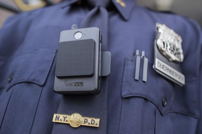 Tres mil cámaras corporales de policías serán retiradas tras una explotarle en el pecho a un agente