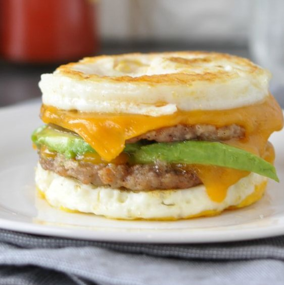 KETO SAUSAGE AND EGG BREAKFAST SANDWICH #Ketodiet #Ketogenic