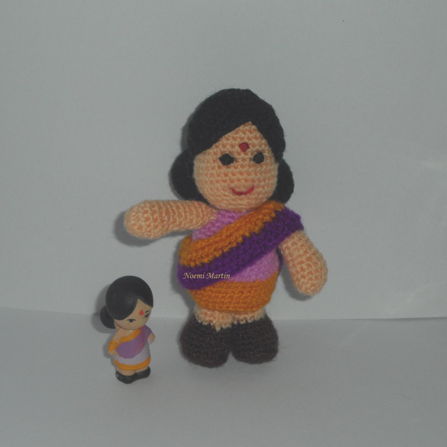 http://agujalanaytijeras.blogspot.com.es/2013/05/desafio-30-amigurumis-n-18-mujer-india.html