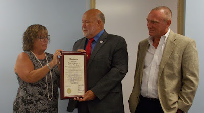 Freeholders Laud Netcong for Hosting County Government