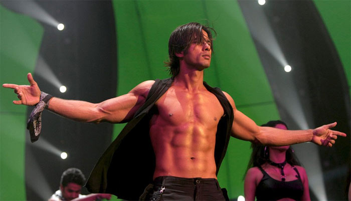 Shahid Kapoor Height Weight Body Statistics